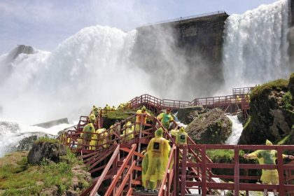 A Coach Can Take You There, best niagara falls tours